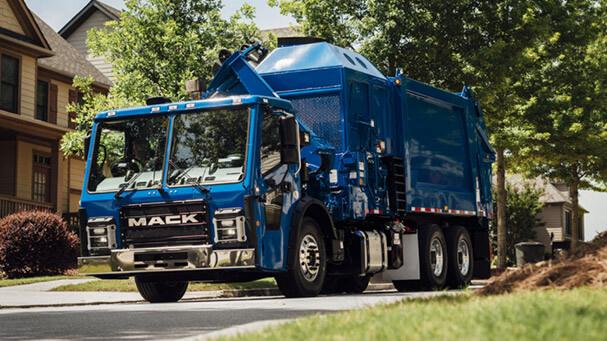2021 Mack LR
