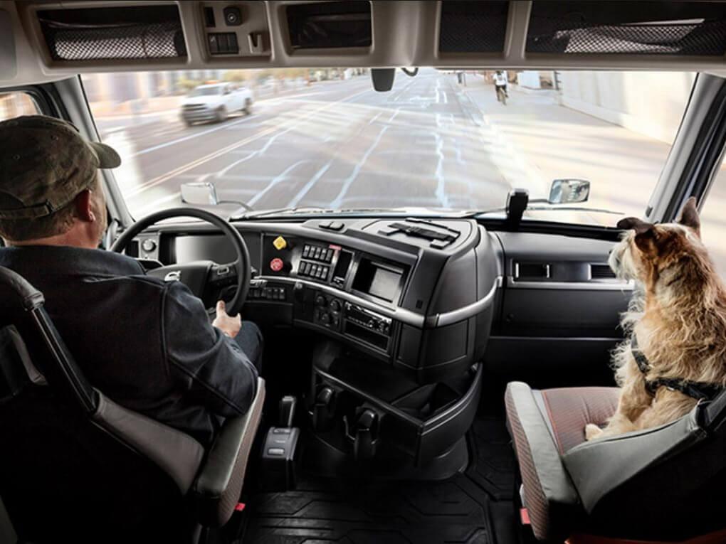 2022 Volvo Trucks VNR 300 Base