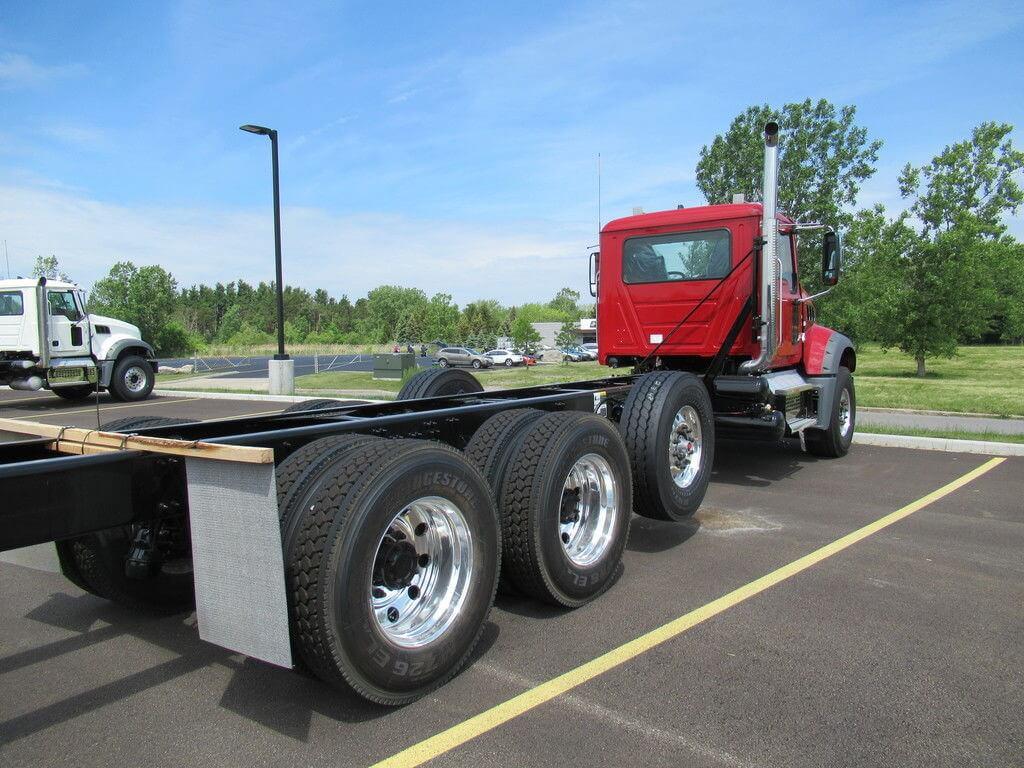 2022 Mack Trucks Granite® Dump