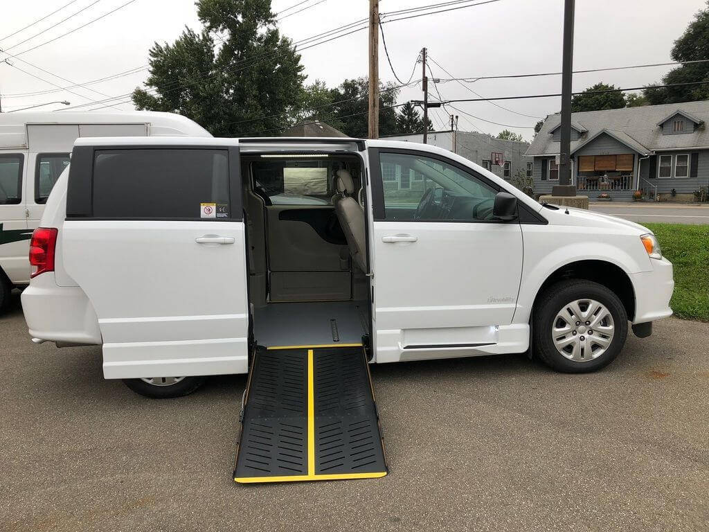 2019 Dodge Grand Caravan Revability Advantage SE